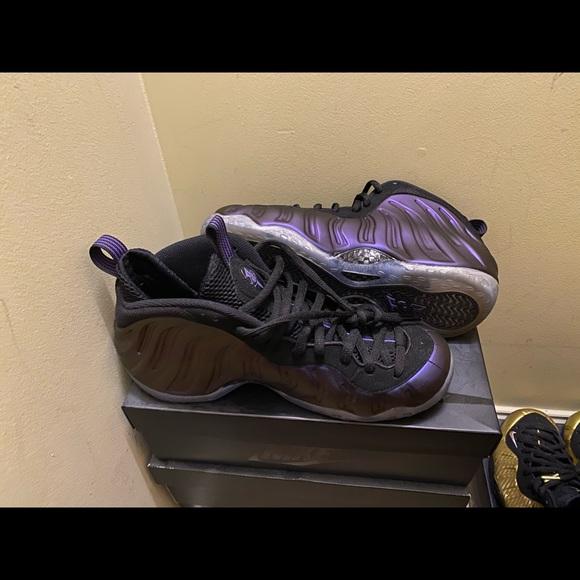 Nike air foamposite one eggplant, size 10,
